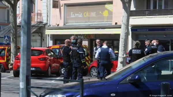 فرنسا- مسلح بسكين يقتل اثنين ويصيب أربعة جنوبي ليون