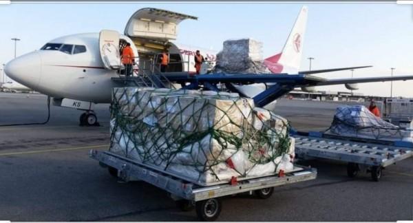 المغرب يرسل شحنة من الكمامات والتجهيزات الطبية  الى الجزائر  لدعم مجهوداتها في مواجهة جائحة كورونا.